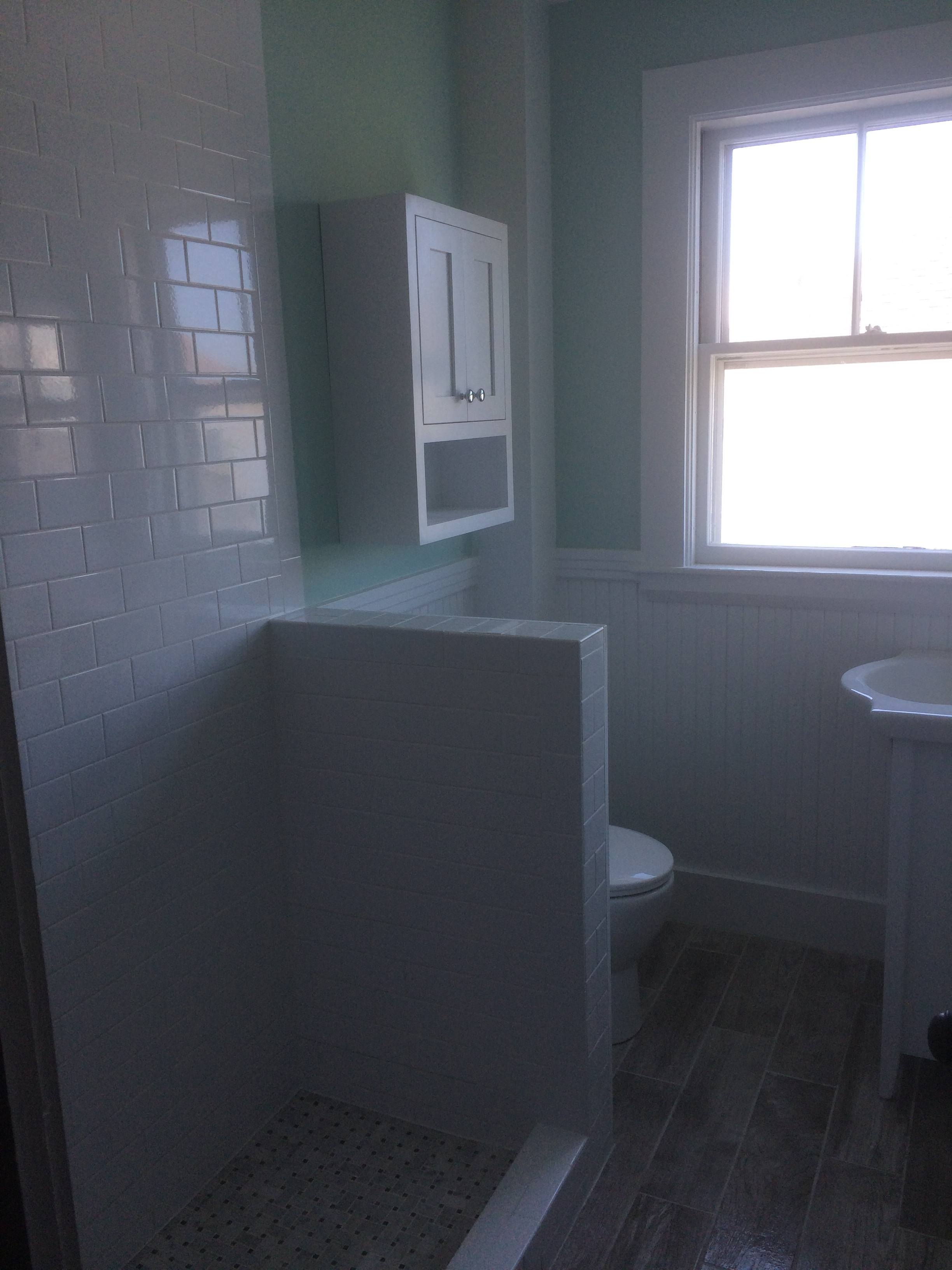 Small bathroom remodel nh bath builders for Bath remodel nh